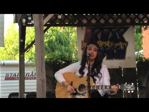 Kayla Taylor - Kix101 Live