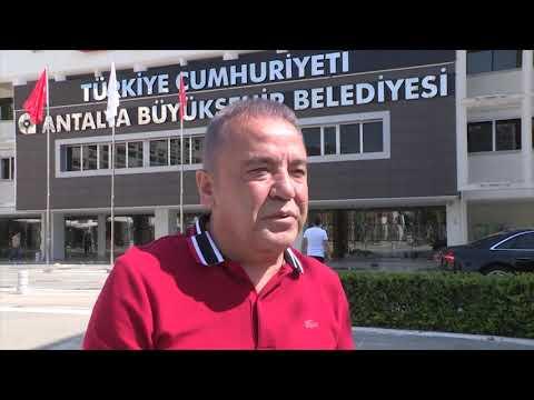 'Türkiye Cumhuriyeti' ibaresi  Böcek'in gözlerini yaşarttı