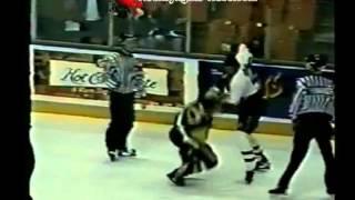 Feb 14, 1997 Jody Shelley vs Carlyle Lewis Halifax Mooseheads vs Beauport Harphangs ROUND3 QMJHL