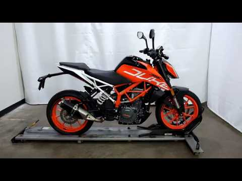 2017 KTM 390 Duke in Eden Prairie, Minnesota - Video 1