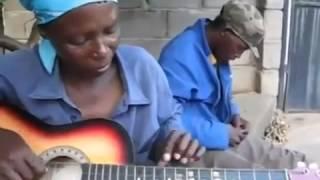 Смотреть Супер! играет на гитаре, соло. Ghitar Solo