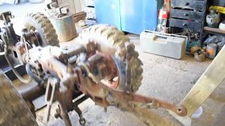 Трактор( мини ) МТЗ-082 на ремонте кпп.