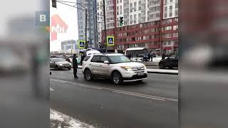 В Санкт-Петербурге иномарка сбила мать с двумя детьми
