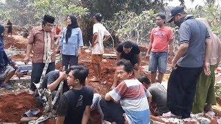 Demi Tol Desari, Warga Depok Ikhlaskan Jasad Kerabatnya Dipindah
