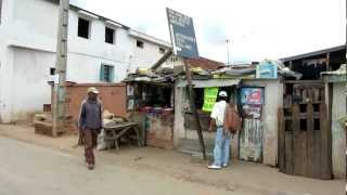 preview picture of video 'Driving Through the Streets of Antananarivo'