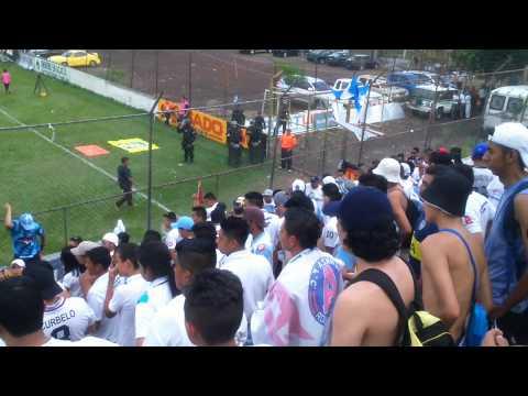 """Ultra Blanca - Movelo ultra - Alianza F.C."" Barra: La Ultra Blanca y Barra Brava 96 • Club: Alianza"