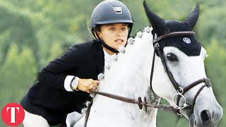 Strict Rules Professional Female Horseback Riders Have To Follow