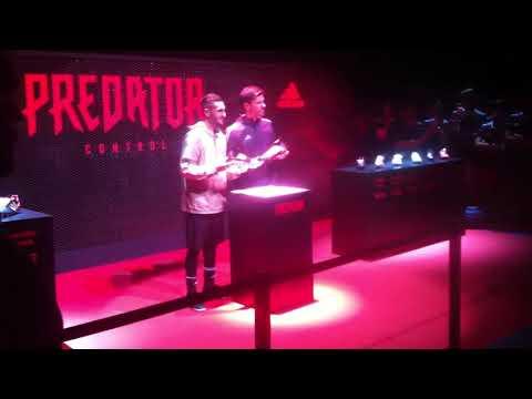 Presentación Predator con Koke y Xabi Alonso