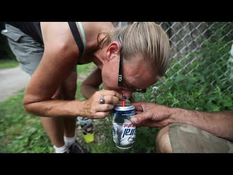 Heroin's Hold | Addicts snort drug