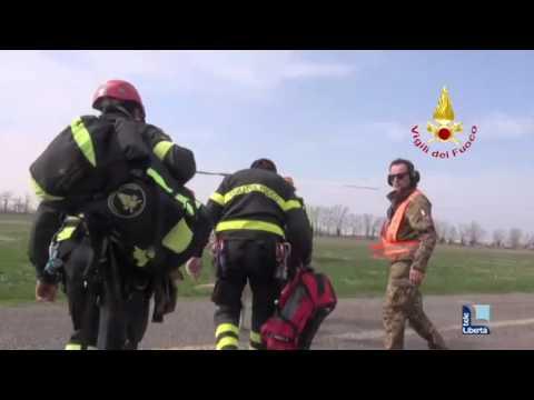 Esercitazione Sater: il video dei vigili del fuoco sull'elicottero
