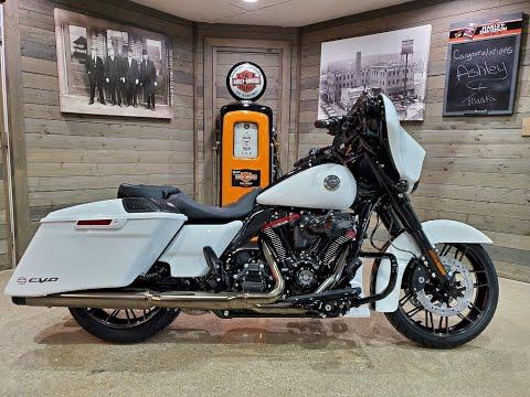 2021 Harley-Davidson CVO™ Street Glide® in Kokomo, Indiana - Video 1