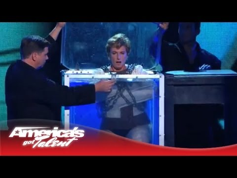 Alexanderia the Great - Escape Artist Goes Under Water in Chains - America's Got Talent 2013 (видео)