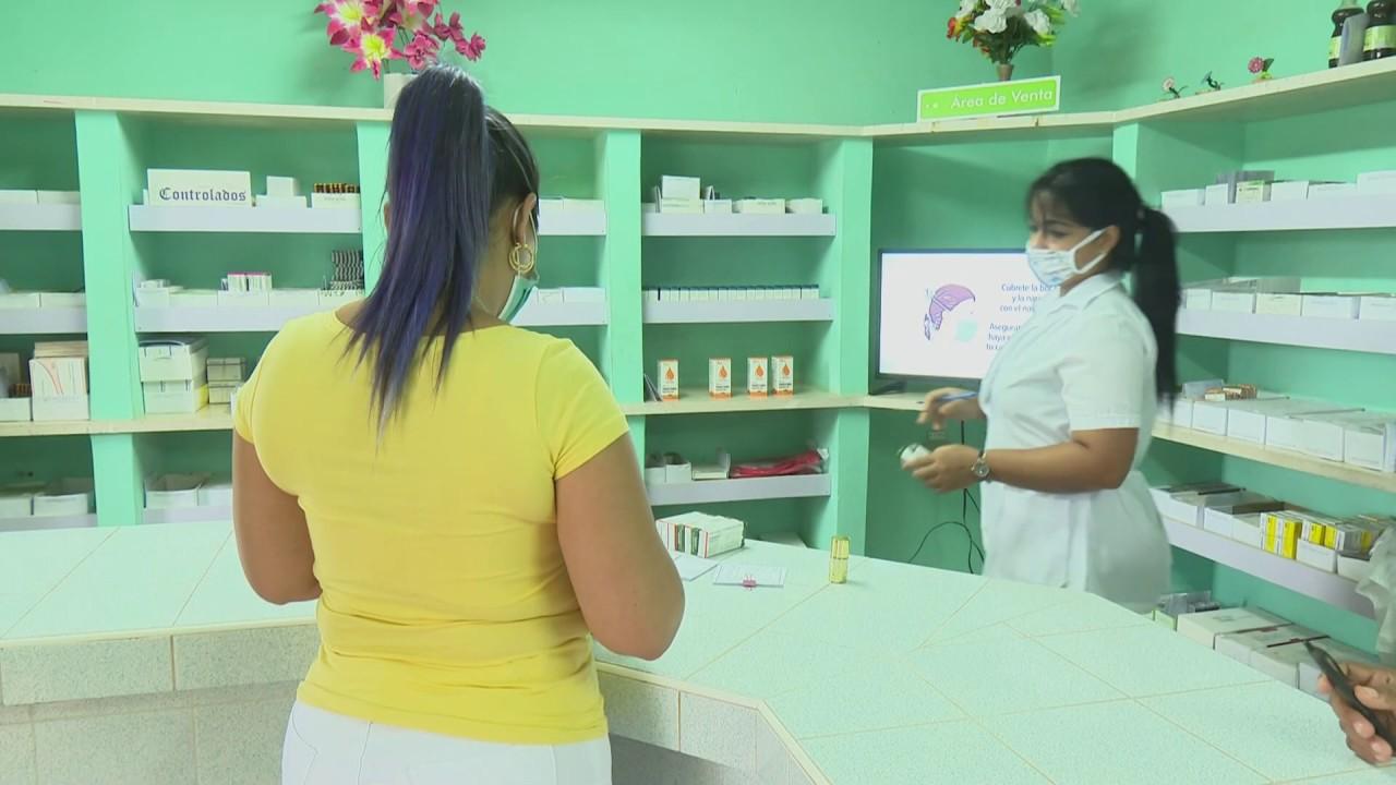 Trabajadores de farmacia en Granma apoyan a la comunidad en la batalla contra el coronavirus