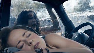加拿大驚悚片,女子在車內熟睡,卻絲毫不知道危險就在窗外,幸好她沒聽見,否則……太可怕了!【小青】