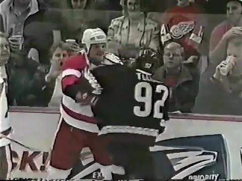 Joey Kocur vs. Rick Tocchet