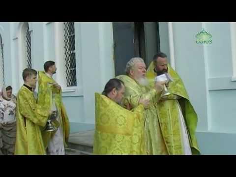 Крещение в церкви на лени голикова