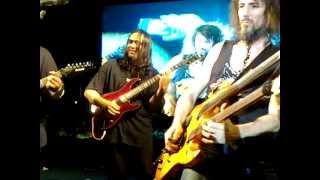 Jam with Ron Bumblefoot of Guns and Roses - tukiguitarman