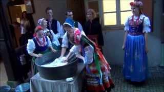 preview picture of video 'Pranie w Noc Kulturalną z ZPiT Częstochowa  - czerwiec 2014'