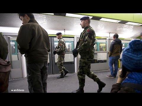 Menaces d'attentat dans les métros parisien et américain.