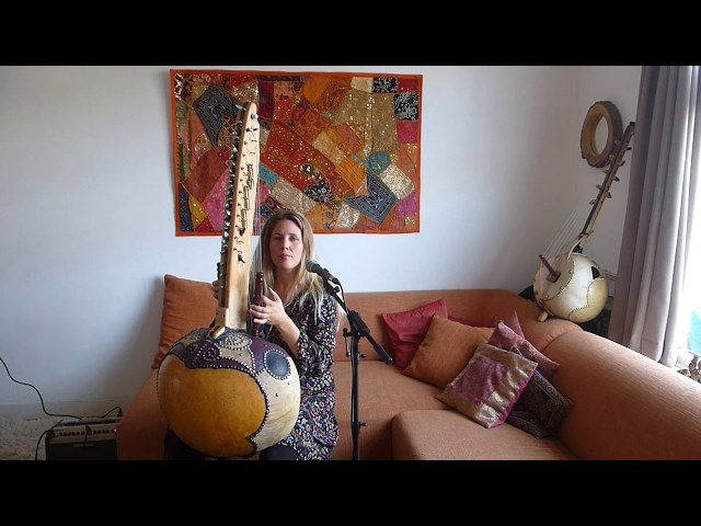 Dymphi Peeters – African Kora and Ancient voice