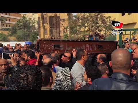 بحضور«حازم إمام و شيتوس» تشييع جثمان والد محمد فضل
