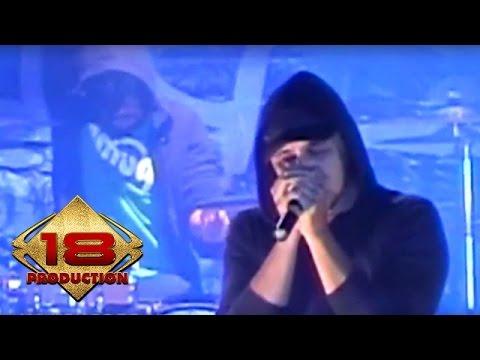 Alexa - Kau Khianati  (Live Konser Malang 05 Juni 2008)