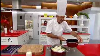 Endibias Asadas Con Salsa Roquefort Receta De Karlos Arguiñano
