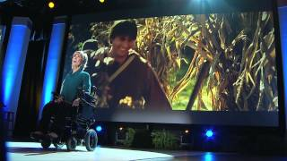Joni Eareckson Tada Sings 'Alone Yet Not Alone' at NRB 2014 Convention (HD)