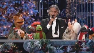 Andrea Bocelli con i Muppets - Jingle Bells