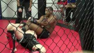 preview picture of video 'Kieron Kiffin (Leicester Shootfighters) - Amateur MMA 28th July'