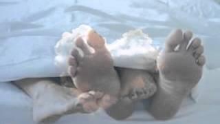 Video Pod peřinou