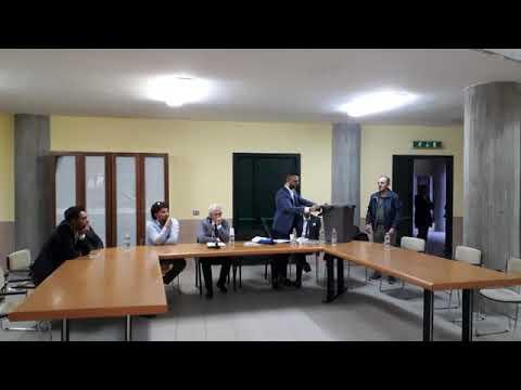 Preview video Video incontro pubblico sul nuovo servizio rifiuti raccolta porta a porta (dalla diretta streaming) Laurenzana 3 ottobre 2019