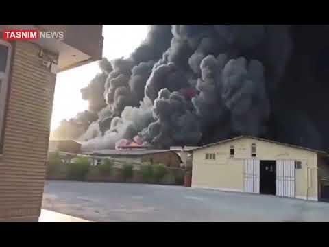 اندلاع حريق ضخم بمصنع كيماويات بمدينة قم الإيرانية