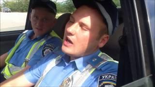 Инспектор ГАИ сбил человека