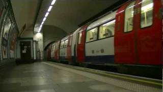 preview picture of video 'London Underground at Northern Line Colliers Wood'