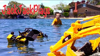 Construction Trucks for Kids: Beach Playtime - Digging a canal! Toy Excavators Bulldozer Cute Dog