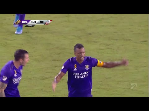 Nani with a sick Cruyff turn and finish from outside the box!