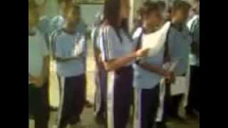 preview picture of video 'Latihan Paduan Suara SMA KRISTEN GKLB LUWUK.'