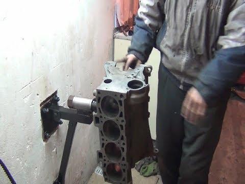 Стапель -переворотник для ремонта двигателя внутреннего сгорания