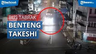 Video Rekaman CCTV Detik-Detik Bus Sugeng Rahayu Tabrak Benteng Takeshi di Pasar Kertek