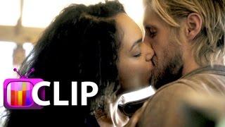 'Sleepy Hollow' Stars Tease Steamy Love Triangle