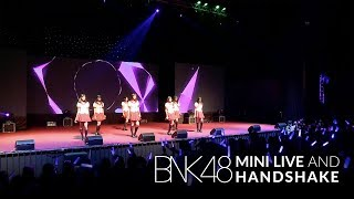 「Skirt, Hirari –พลิ้ว–」from BNK48 Mini Live and Handshake / BNK48