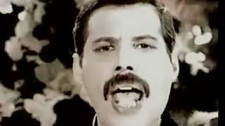 Freddie Mercury !!!-=Living on my own -Lyrics!!!