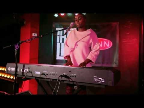 Laura Mvula - Father, Father (live @ BNN That's Live - 3FM)
