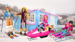 It Really Snows! Bratz Snow Lodge for Dolls Pondok salju Skieur Schneehütte Esquiador دمية باربي