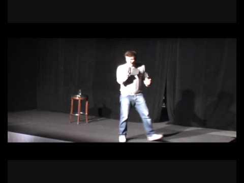 Maciek Adamczyk stand-up w Basenie