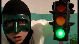 Ampel mit realistenischer Lichtfunktion [klein] Bei Rot bleibt man stehen und... |Review
