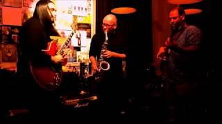 2 minute Jazz improvization - tukiguitarman