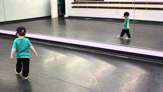 2 Year Old Hitting Hip Hop Choreography