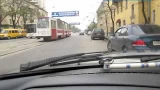 Параллельная парковка задним ходом в городе